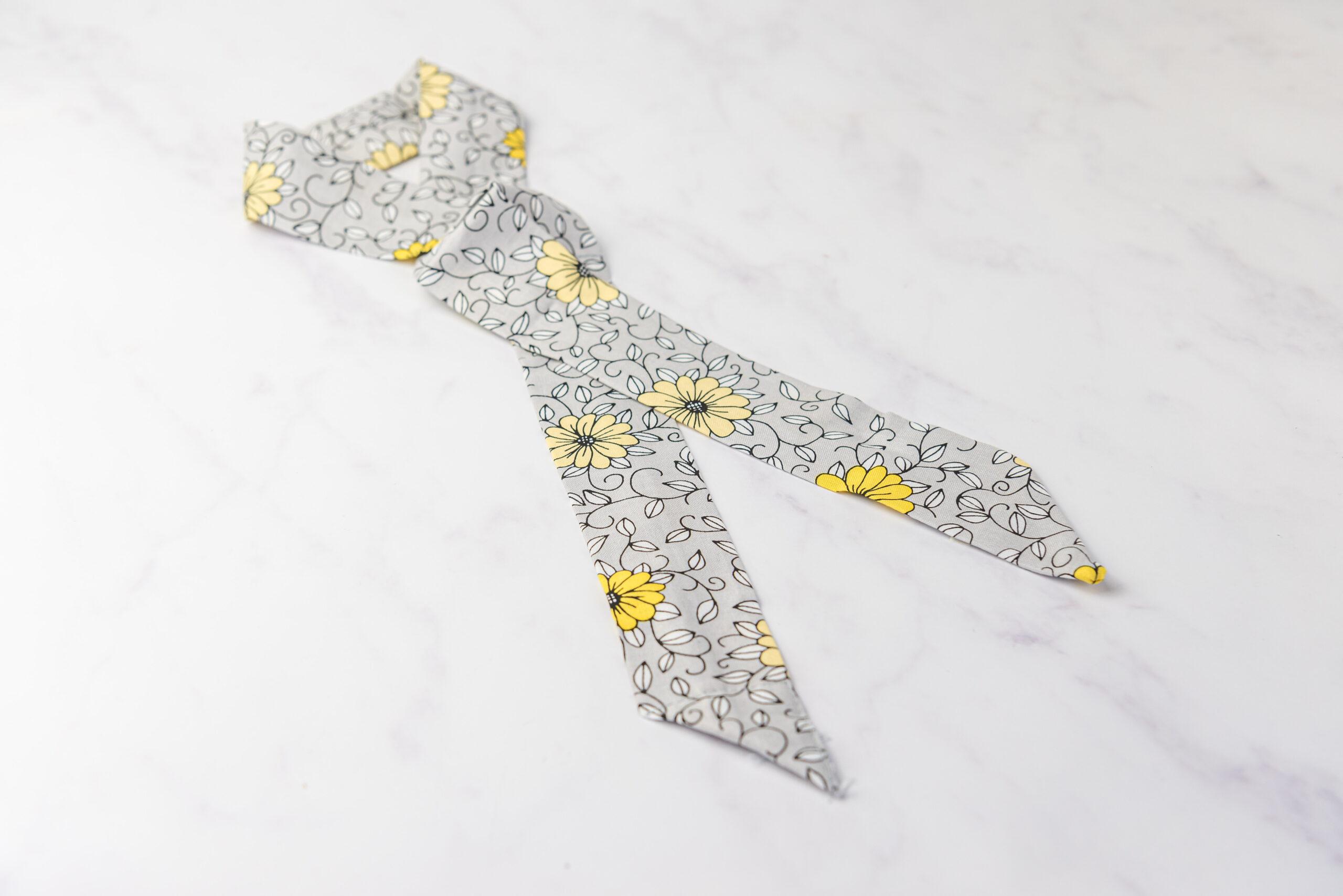 Koelsjaaltje Yellow Daisy detail
